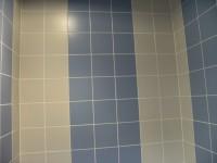 Grès émaillé bleu et gris 20 x 20 cm sur mur