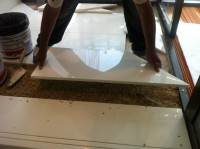 Détail de la pose de Carrelage grès cérame poli avec calepinage